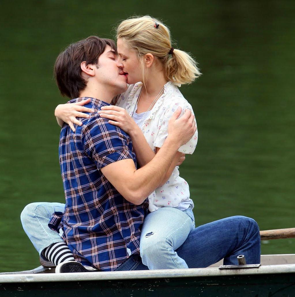 Hd wallpaper kiss - Cute Couple Love Kiss Hd Wallpapers Images 14908394_1105464509571871_6121661628414254087_n