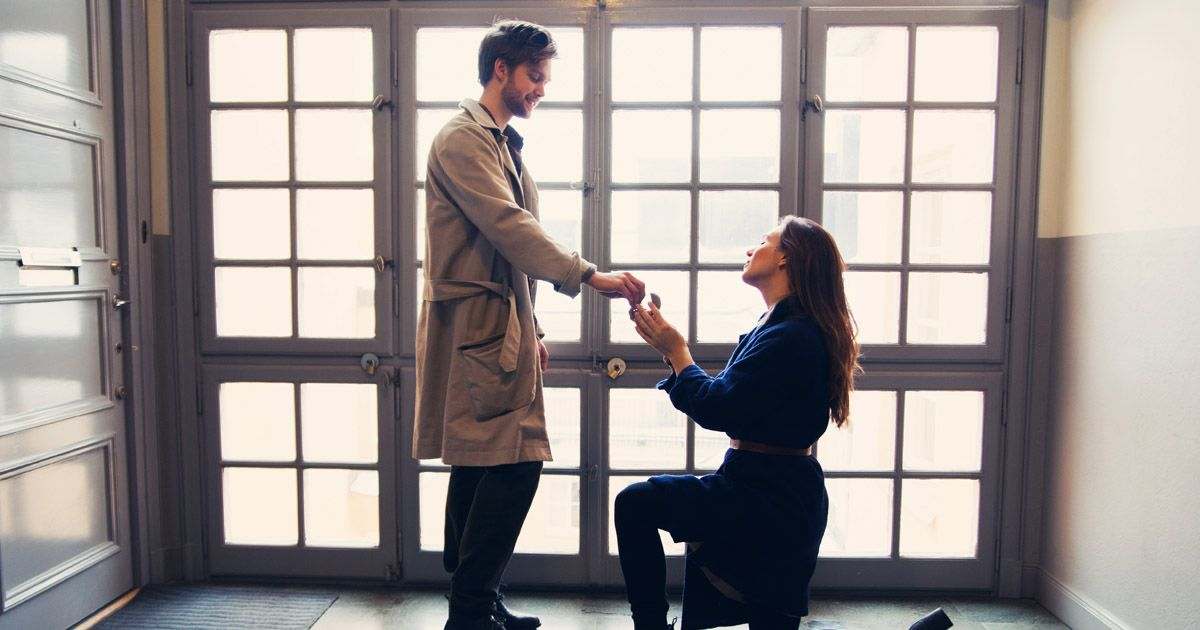 Woman-Proposing-To-A-Man