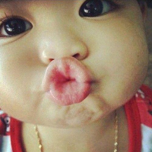 Kiss faces of super duper cute babies author love 1 of 9 voltagebd Images
