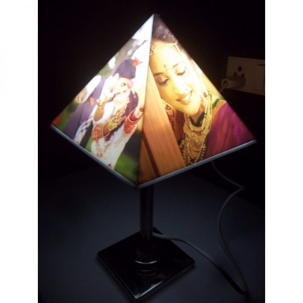 Personalized pyramid photo lamp with stand